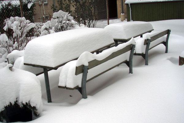 Sne i gården
